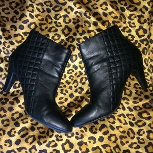 RIALTO Ankle Black boots with zipper